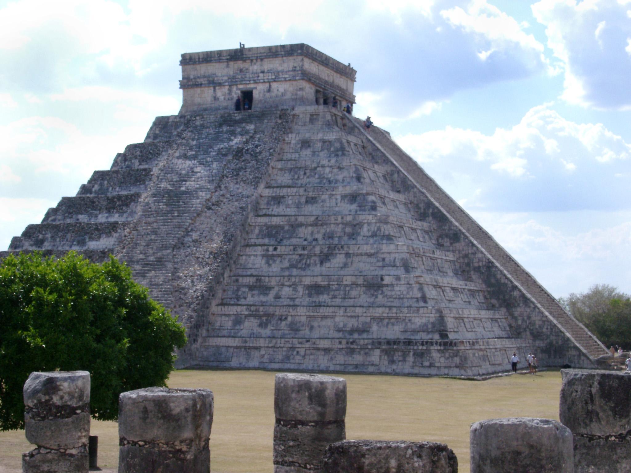クフ王のピラミッドの謎を徹底追求!日本と繋がりがある?!